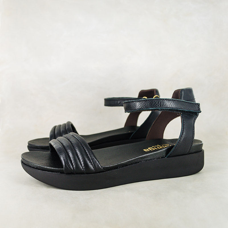 Ujantshi : Ladies Leather Sandal in Black Vintage