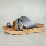 Phakade : Ladies Leather Sandal in Anthracite Metal Grain