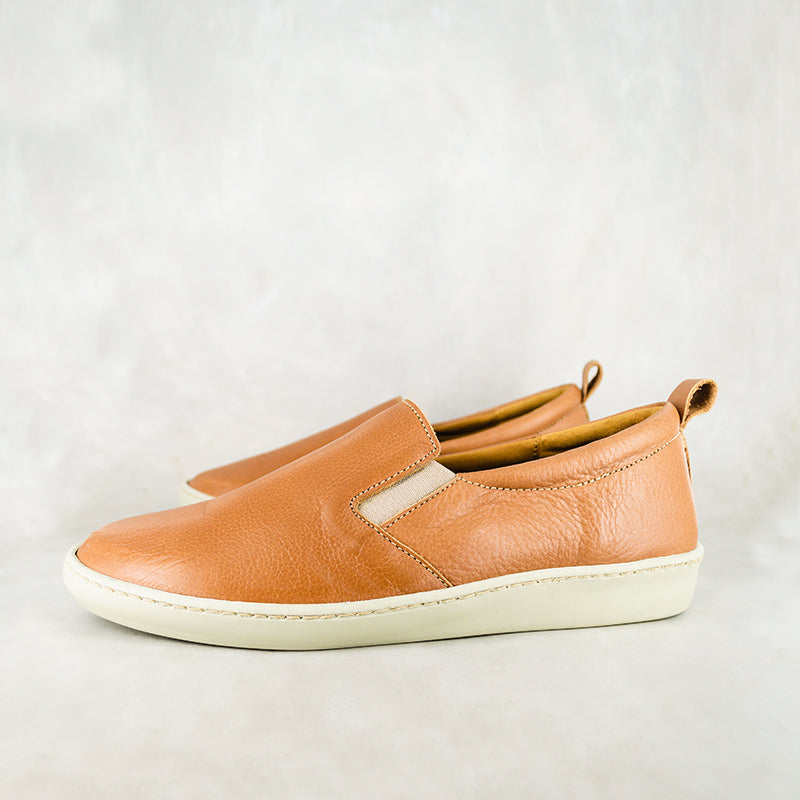 Umbumbi : Ladies Leather Sneaker in Tan Vintage