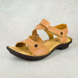 Yakaza : Ladies Leather Sandal in Tan Vintage