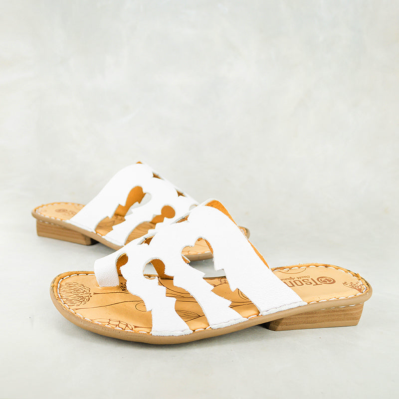 Hawozi : Ladies Leather Sandal in White Cayak