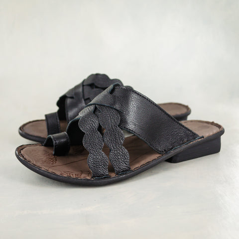 Ningizimu : Ladies Leather Sandal in Silver Prime