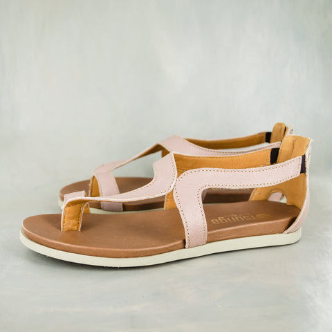 Avele : Ladies Leather Tslops Sandal in Valentino Cayak