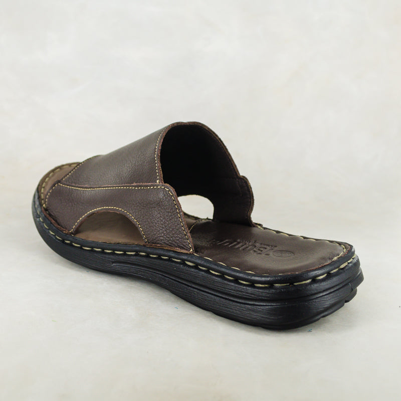 Juza : Mens Leather Sandal in Choc Delta