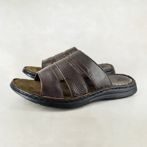 Juza : Mens Leather Sandal in Black Vintage
