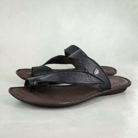 Fuyiwe : Ladies Leather Sandal in Black Cayak