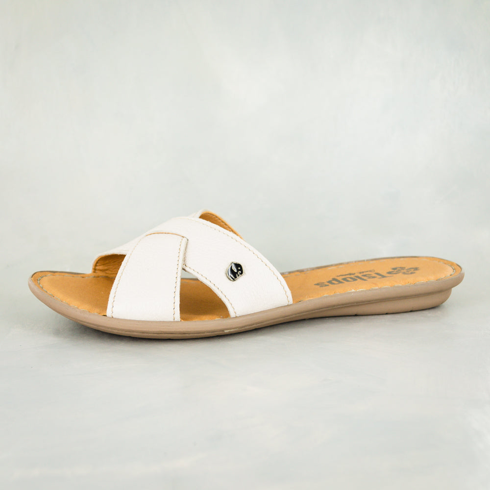 Baqaza : Ladies Leather Tslops Sandal in Cream Cayak