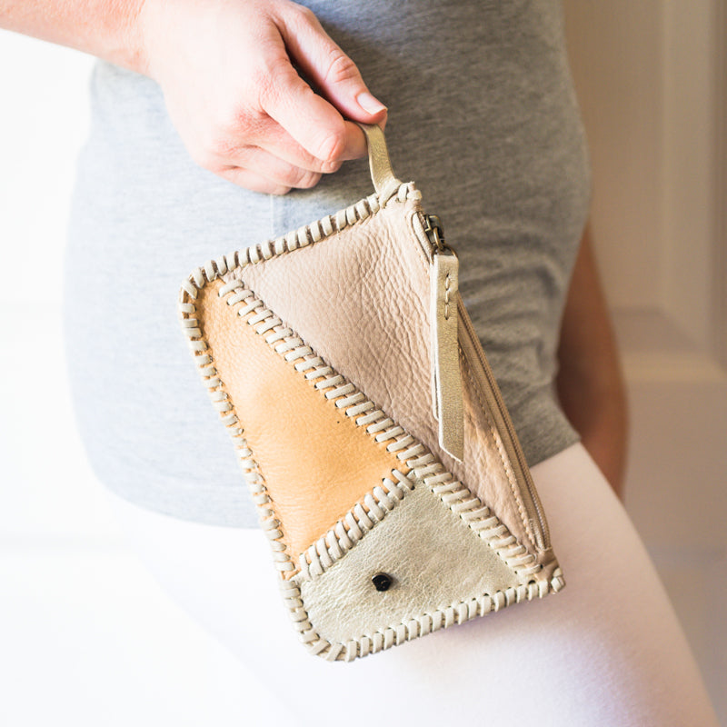 Kutanda : Ladies Leather Clutch Purse in Gravel & Camel Vintage & Bark Domus