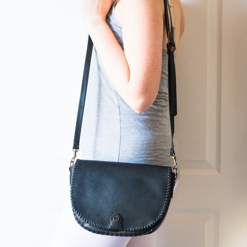 Azetha : Ladies Leather Shopper Handbag in Black Vintage