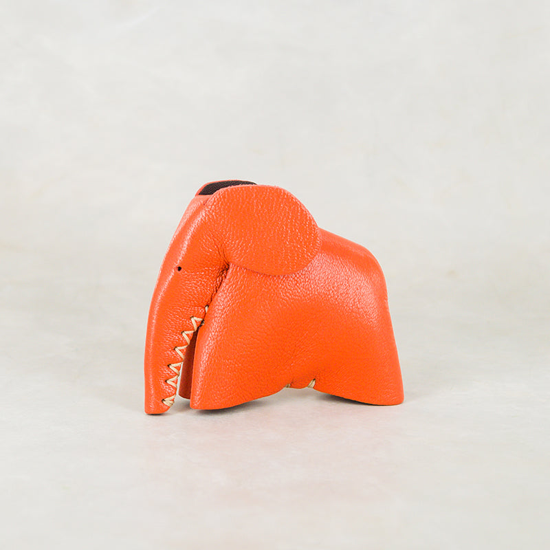 Parva : Small Elephant Family Accessory in Coral Leather