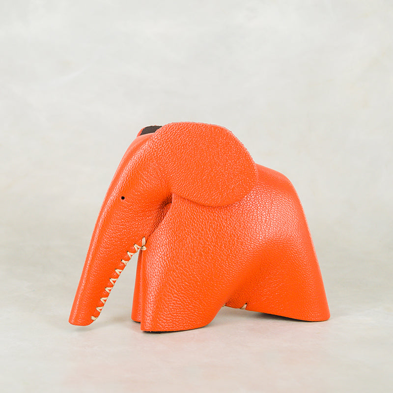 Peaches : Medium Elephant Family Accessory in Coral Leather