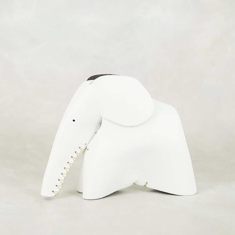Peaches : Medium Elephant Family Accessory in White Leather