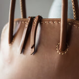 Thina : Ladies Leather Shopper Handbag in Sable Relaxer