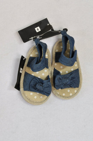 New Woolworths Size 3 Demin Bow Sandals Girls 12-18 months