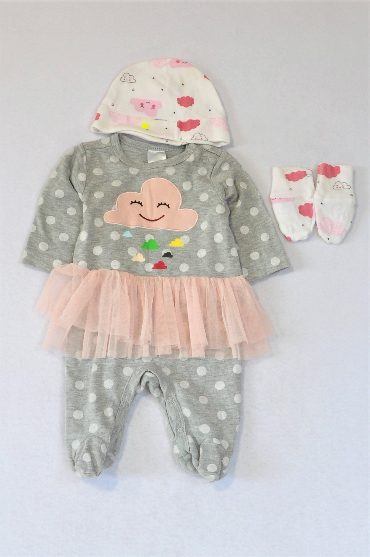 Pick 'n Pay White Cloud Romper And Pink Cloud Beanie And Gloves Outfit Girls 0-3 months
