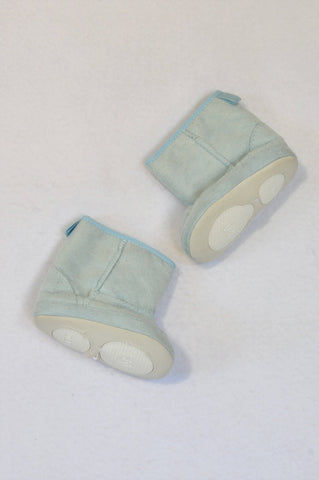 New DLB Size 2 Light Blue Microsuede Soft Sole Booties Boys 6-9 months