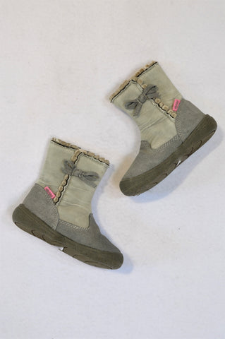 Woolworths Size 6 Grey Leather Ribbed Frill Suede Bow Boots Girls 18 months to 3 years