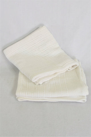 Unbranded Set Of 2 White Blankets Unisex N-B to 3 years