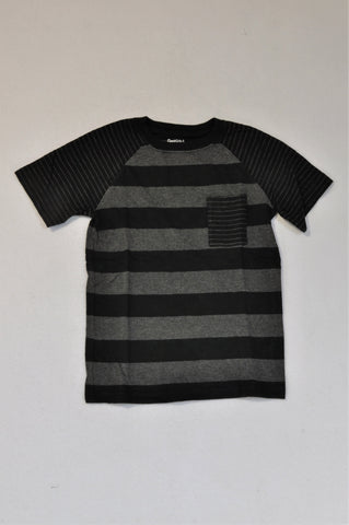 GAP Black & Grey Stripe T-shirt Boys 6-7 years