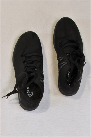 Maxed Black Soft Shoes Unisex Youth/Women Size 6