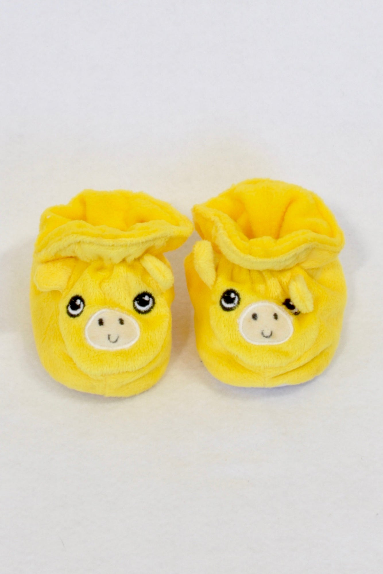 New Yellow Velour Pig Size 1 Booties Unisex 0-3 months