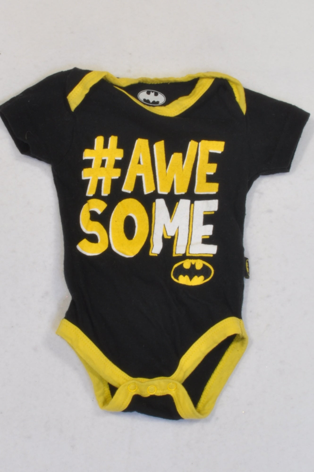 Batman Black & Yellow Awesome Baby Grow Boys 0 3 months – ce More