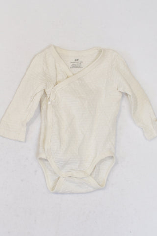 H & M Cream Organic Cotton Kimono Snap Textured Baby Grow Girls 0-3 months