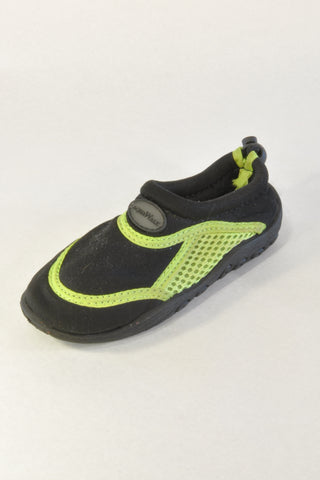Black and Green Water Shoes Unisex 2-3 years