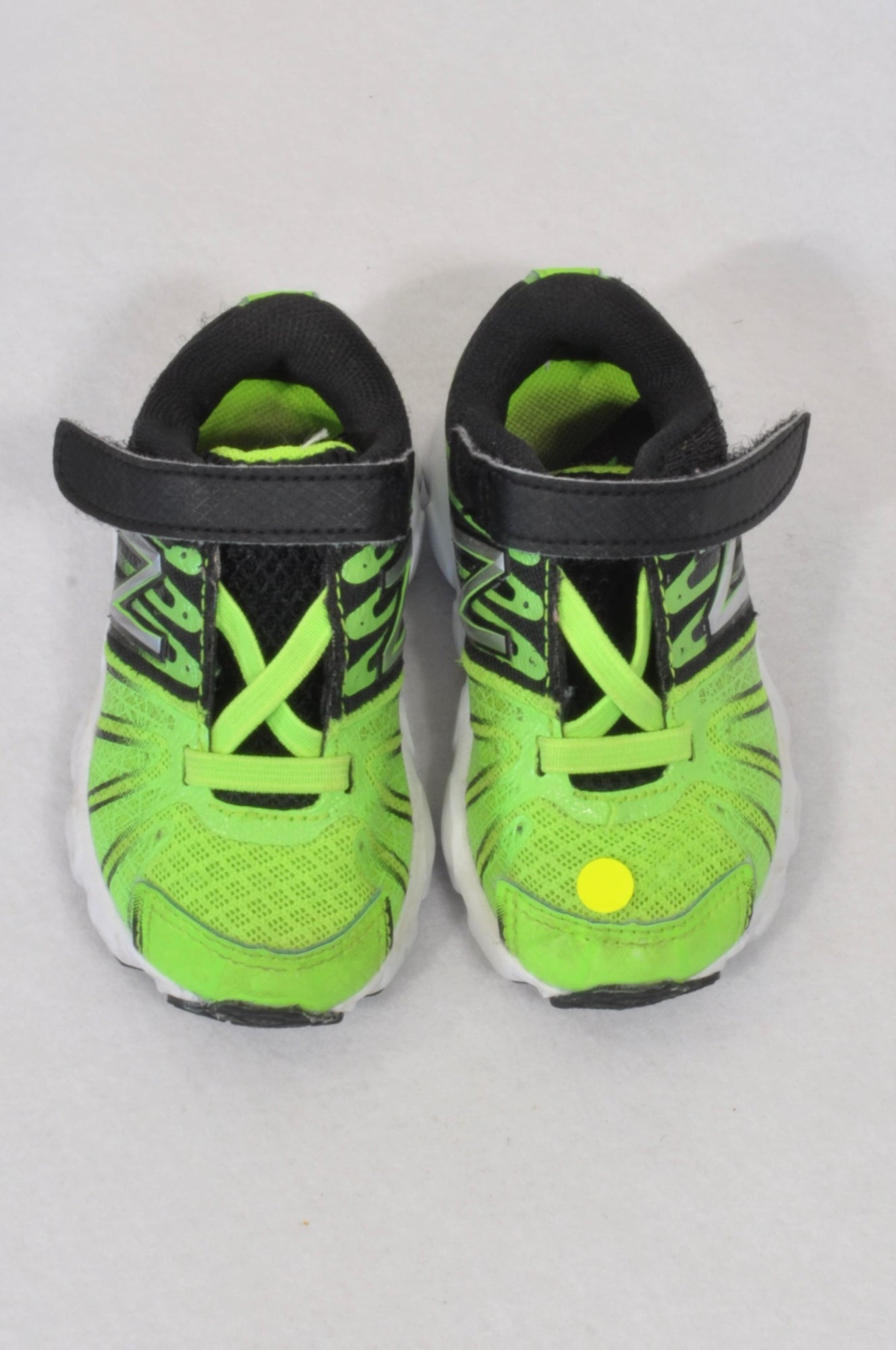 New Balance Size 3.5 Lumo Green & Black Velcro Shoes Boys 9-12 months