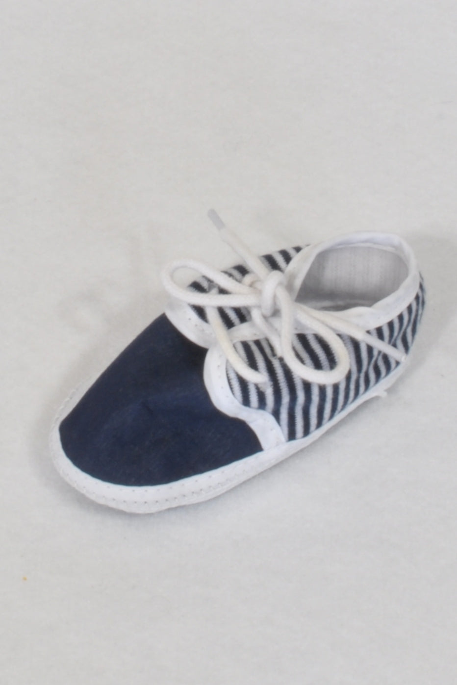 Unknown Brand Navy & White Laced Shoes Boys N-B