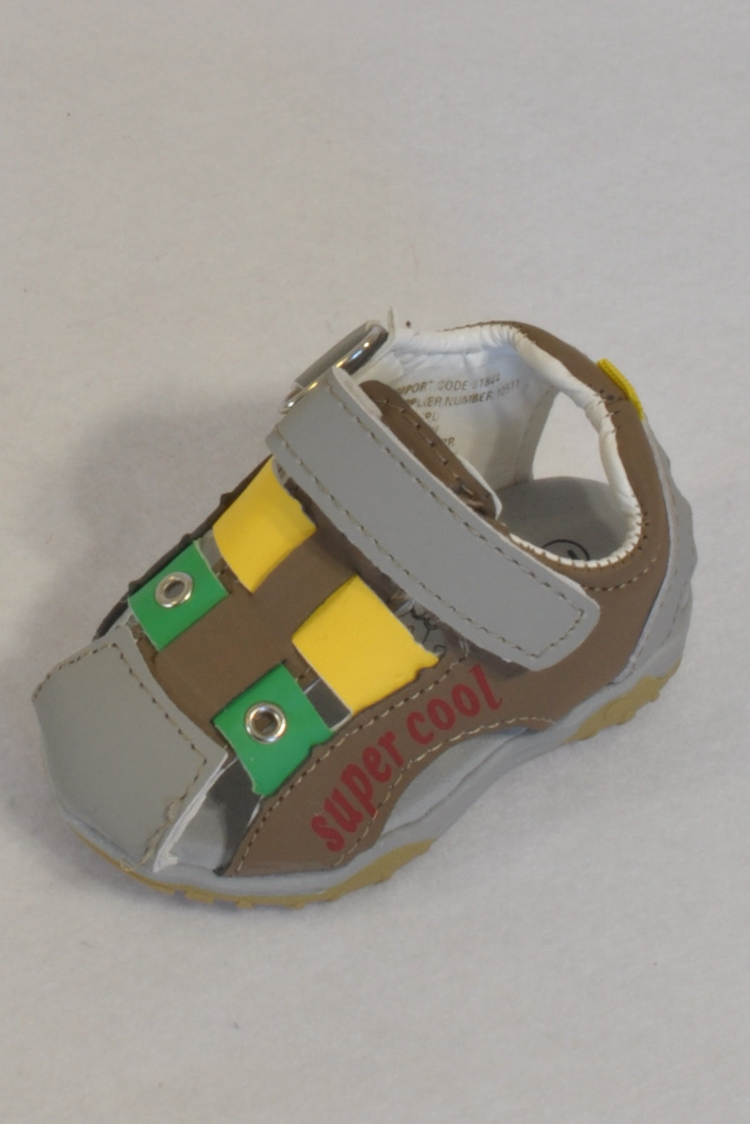 New Edgars Yellow & Green Strap Super Cool Size 2 Shoes Boys 3-6 months