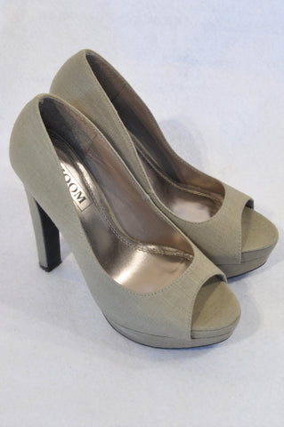 Zoom Olive Linen Peep Toe Heel Shoes Women Size 4