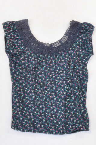 Woolworths Navy Floral Lace Neckline T-shirt Women Size 8