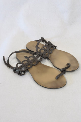 Exico! Brown Pleather Toe Loop Sandals Women Size 5