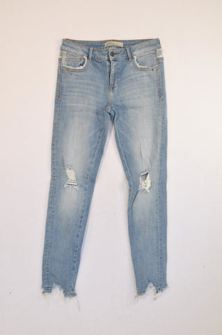 Zara Light Wash Distressed Frayed Trim Jeans Women Size 8
