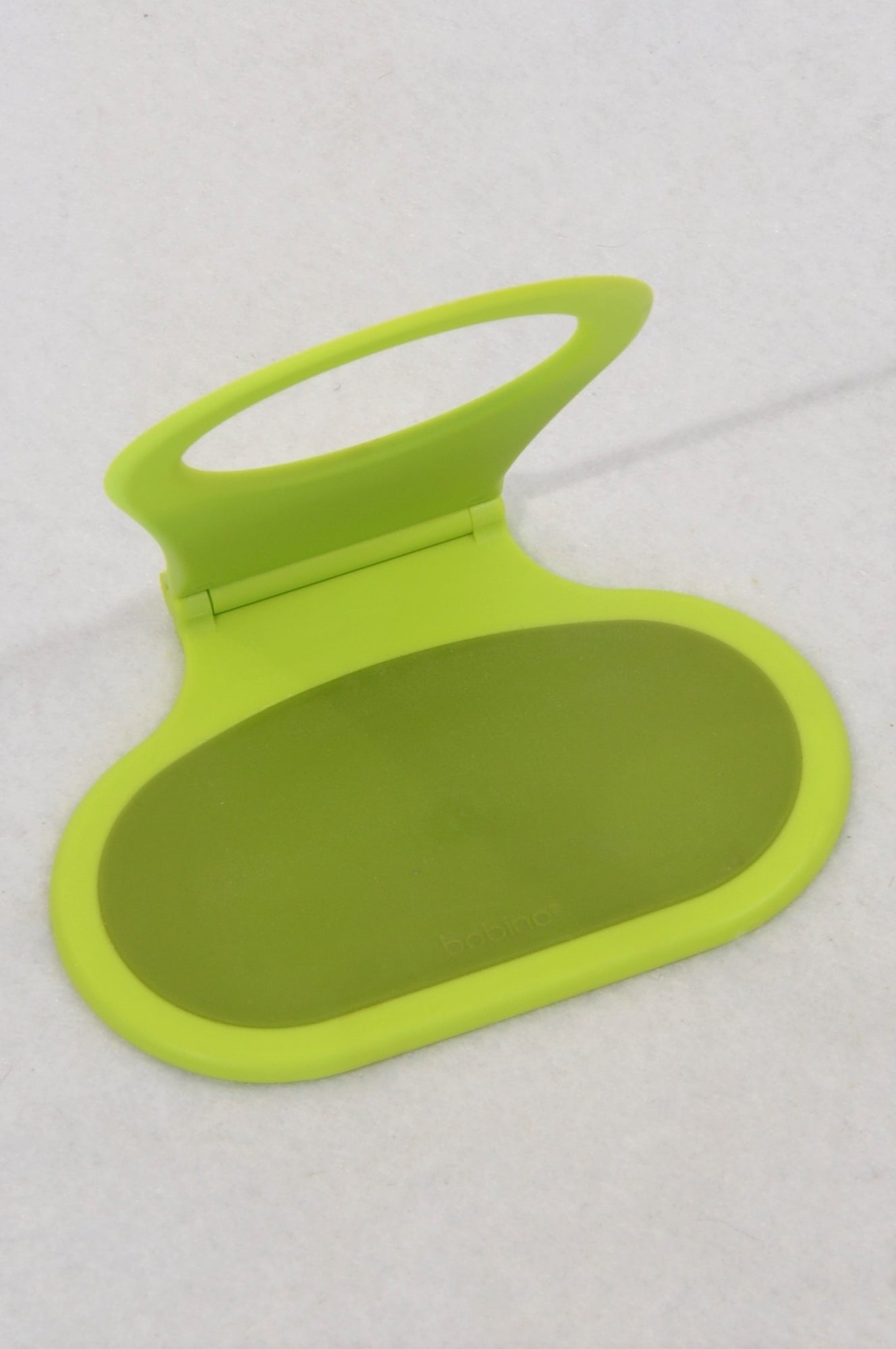 Unbranded Green Phone Holder & Chord Wrap Accessory Unisex 11-15 years