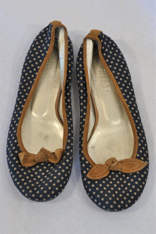 Herry Navy & Beige Dotty Leather Trim Shoes Women Size 6