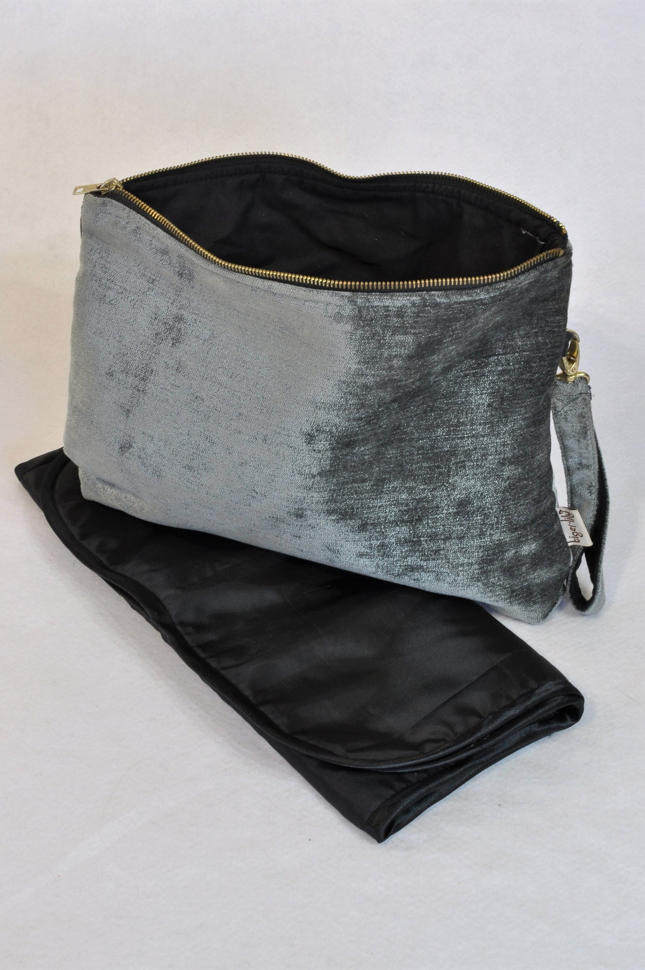 Tiger Lily Grey Metallic Chenille Zipper Bag & Changing Mat Unisex N-B to 2 years
