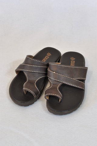 New Waga Dude Size 12 Brown Pleather Sandals Unisex 6-8 years