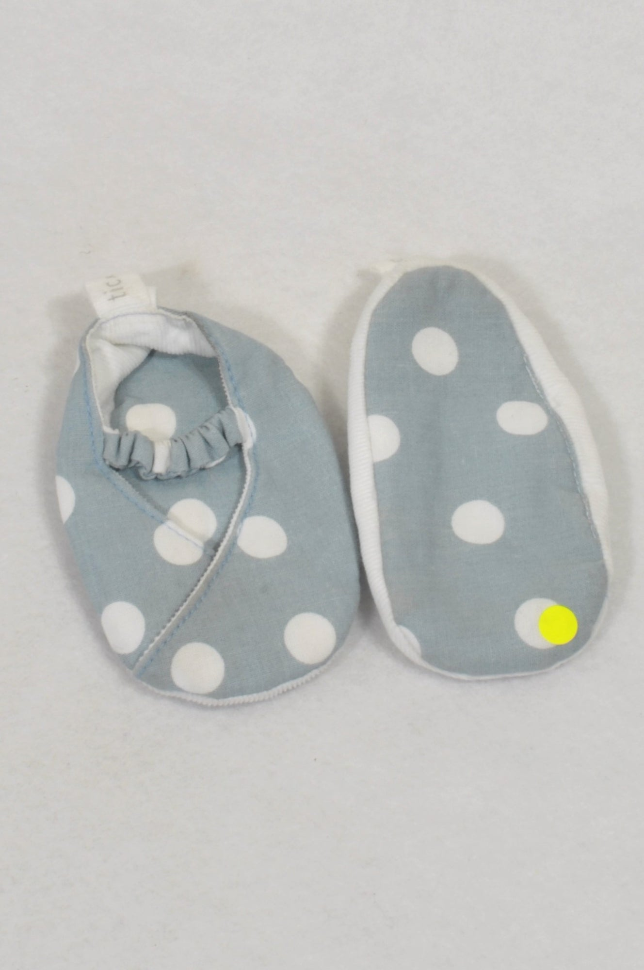 Tic Tac Toe Size 2 Blue & White Dotty Reversible Shoes Girls 6-12 months