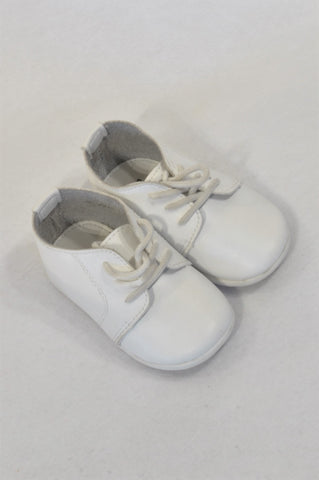 7e9a60701 Bubble Gummers Size 6 White Lace Up Shoes Unisex 18 months to 3 years