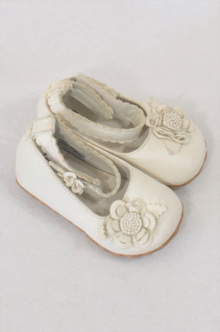 New Brats Size 1 Ivory Flower Shoes Girls 3-6 months