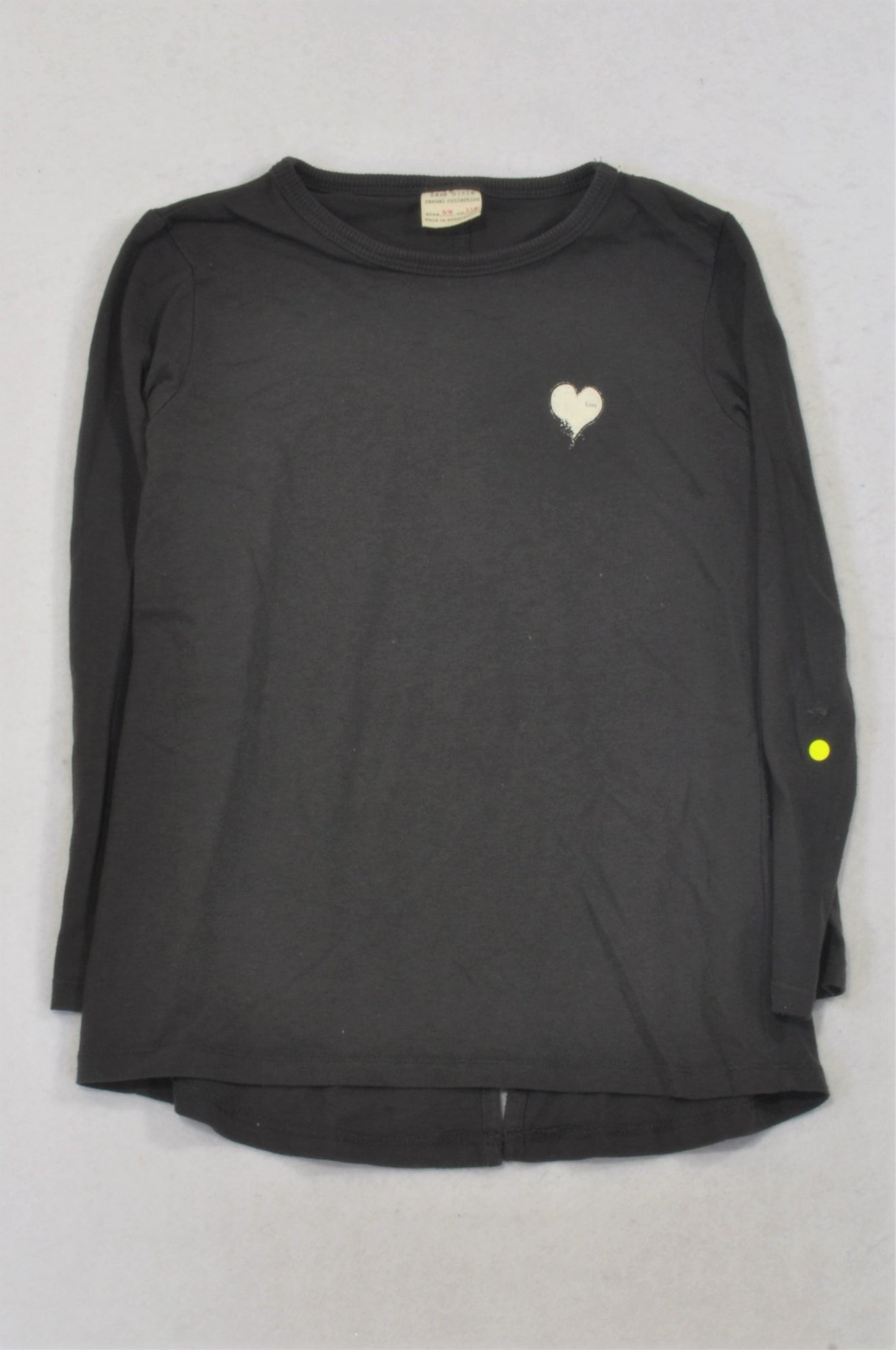 c678823e Zara Dark Grey Heart T-shirt Girls 5-6 years – Once More