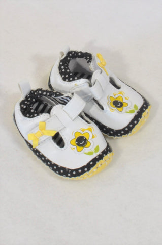 Size 0 Yellow Dotty Flower Shoes Girls 0-3 months