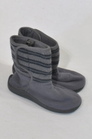 Woolworths Size 12 Grey Stripe Fleece Boots Boys 5-6 years