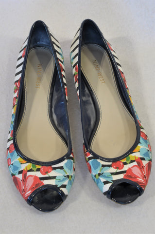 Nine West Navy Trim Floral Stripe Kitten Heel Shoes Women Size 7