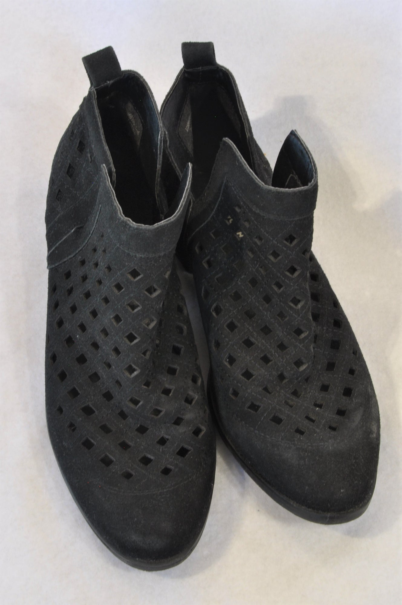 Woolworths Black Faux Suede Trellis Boots Women Size 7