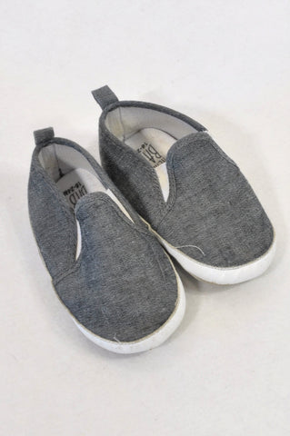 89ef42bad Pick  n Pay Size 5 Grey Soft Sole Shoes Boys 18-24 months