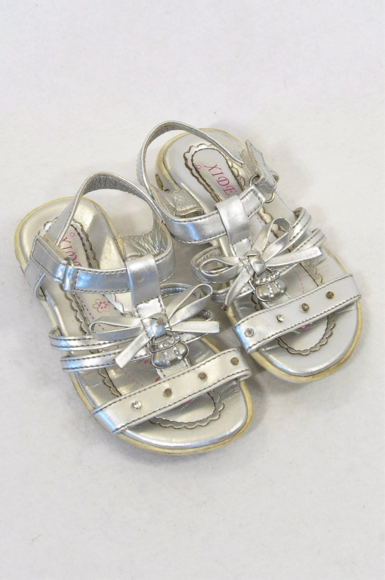 Xideni Size 6.5 Silver Strappy Rhinestone Handbag Sandals Girls 18 months to 3 years