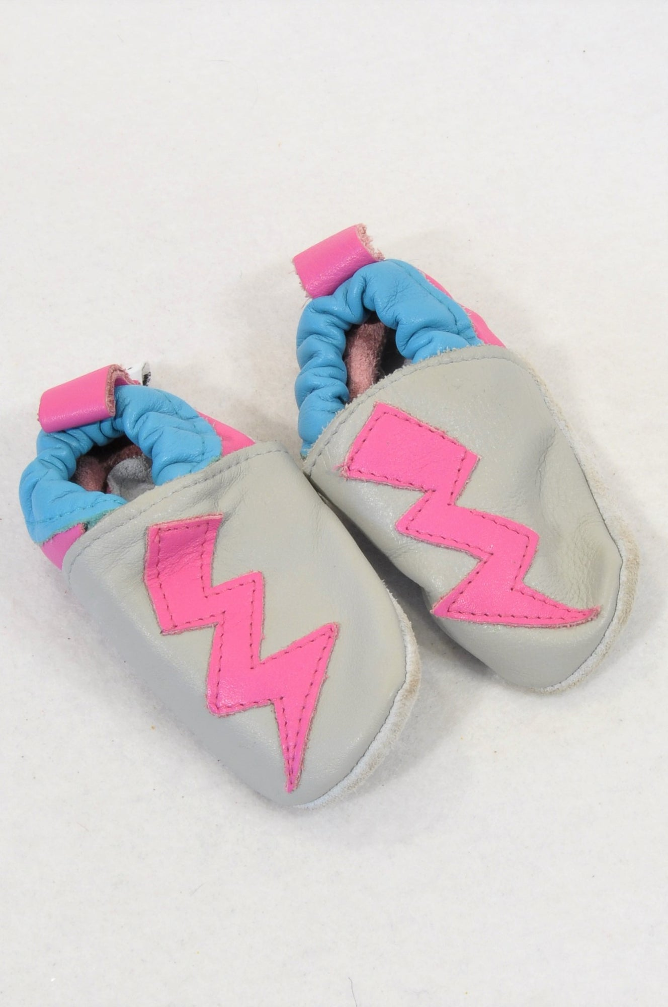 Shooshoos Size 1 Grey & Pink Lightning Leather Soft Sole Shoes Girls 3-6 months